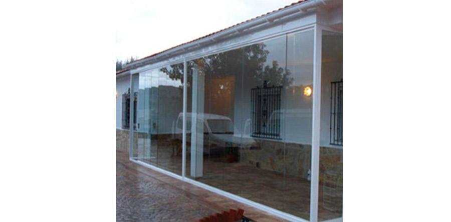Fabricación e instalación de ventanas de aluminio y madera